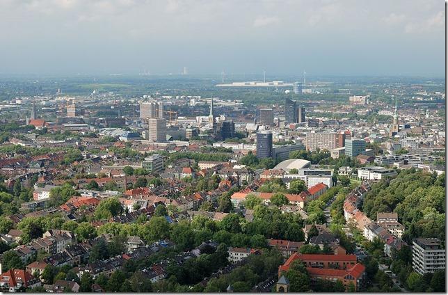 1024px-Westfalenpark-100818-16757-Florian-Turm-cor