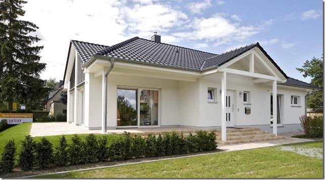Heinz von Heiden Landkreis Oberhavel  Musterhaus Oranienburg_Aussen_Seite